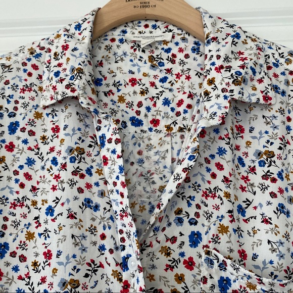 beachlunchlounge Tops - beachlunchlounge floral rayon button front blouse